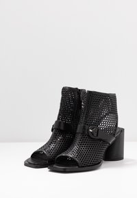 MJUS - Ankle cuff sandals - nero - 4
