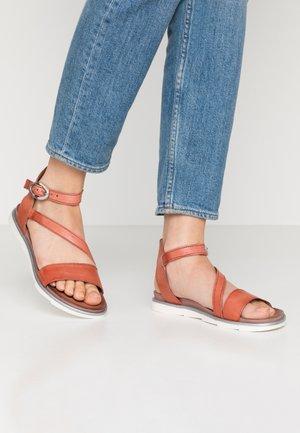 Sandals - tomato