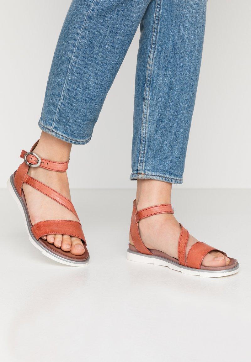 MJUS - Sandals - tomato