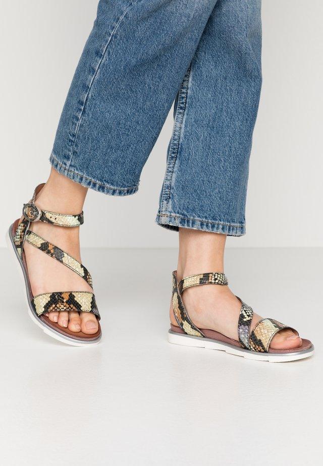 Sandals - sella