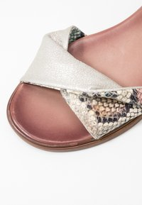 MJUS - Sandals - multicolor/panna sella - 2