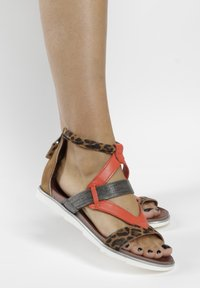 MJUS - Ankle cuff sandals - sand - 0