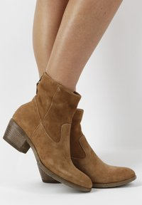 MJUS - Ankle boots - brown - 0