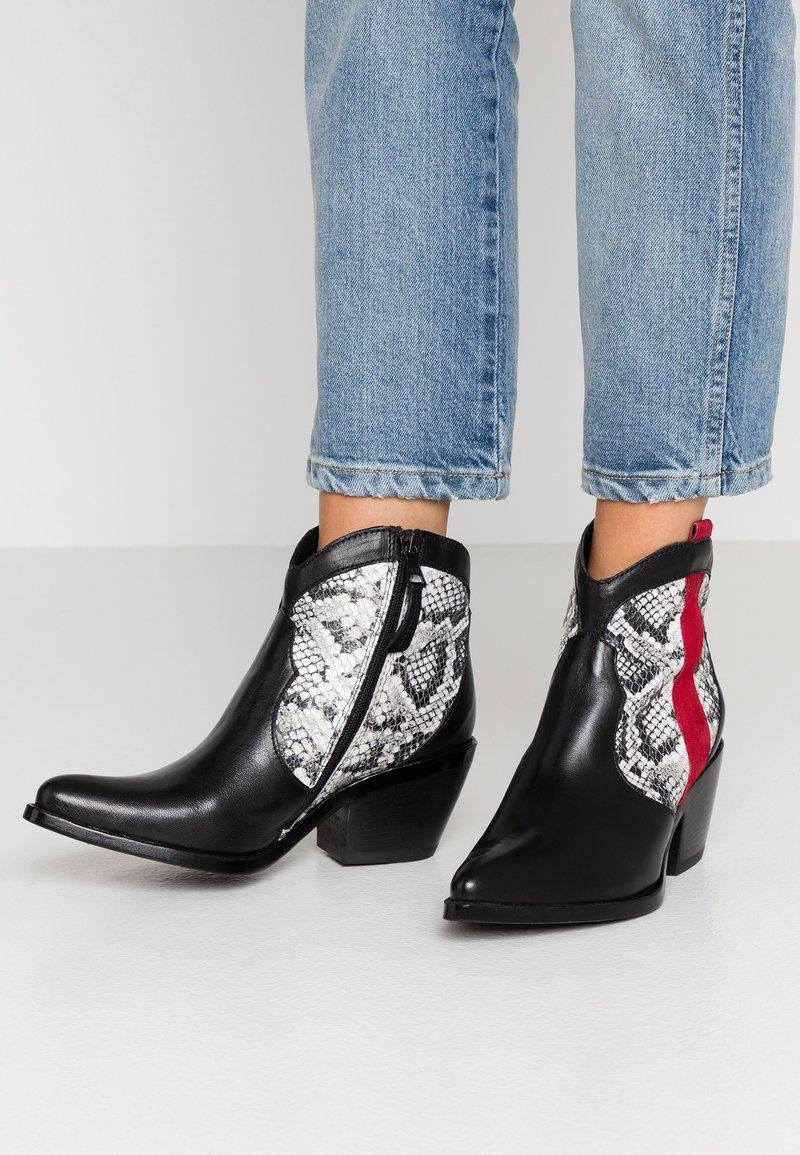 MJUS - Boots à talons - nero