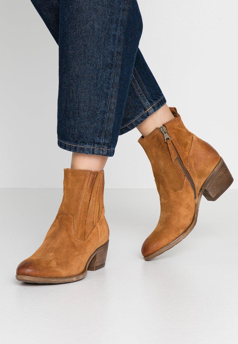 MJUS - Cowboy/biker ankle boot - sella