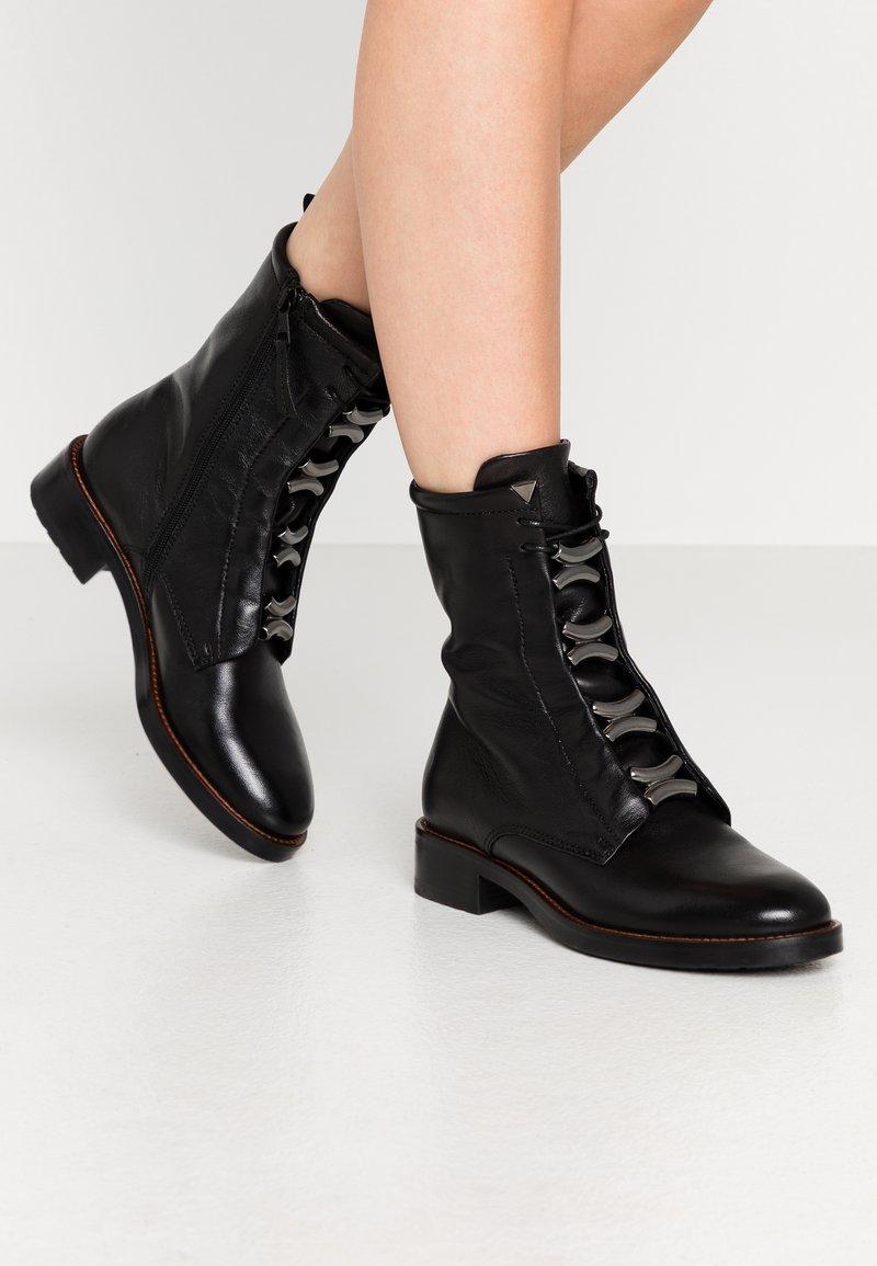 MJUS - Kovbojské/motorkářské boty - nero