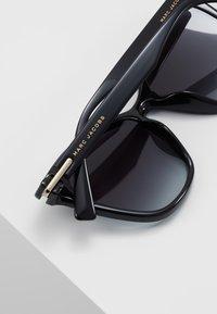 Marc Jacobs - Sluneční brýle - black - 4