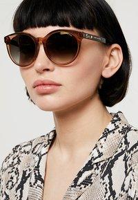 Marc Jacobs - Sonnenbrille - dark havanna - 1