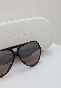 Marc Jacobs - MARC - Sluneční brýle - dark havana - 3