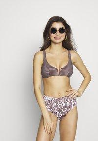 Maaji - MOON AND SEA DARLINGHISE RISE BOTTOM CHEEKY CUT - Bikiniunderdel - multi - 1