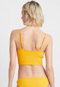 Maaji - FARRAH CROSS CROP WRAPEPD CAMI - Bikini top - yellow - 3