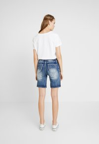 Marjo - FRANZISKA BERMUDA - Shorts - blau - 2