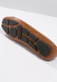 MICHAEL Michael Kors - FULTON MOC - Baleríny - luggage - 2