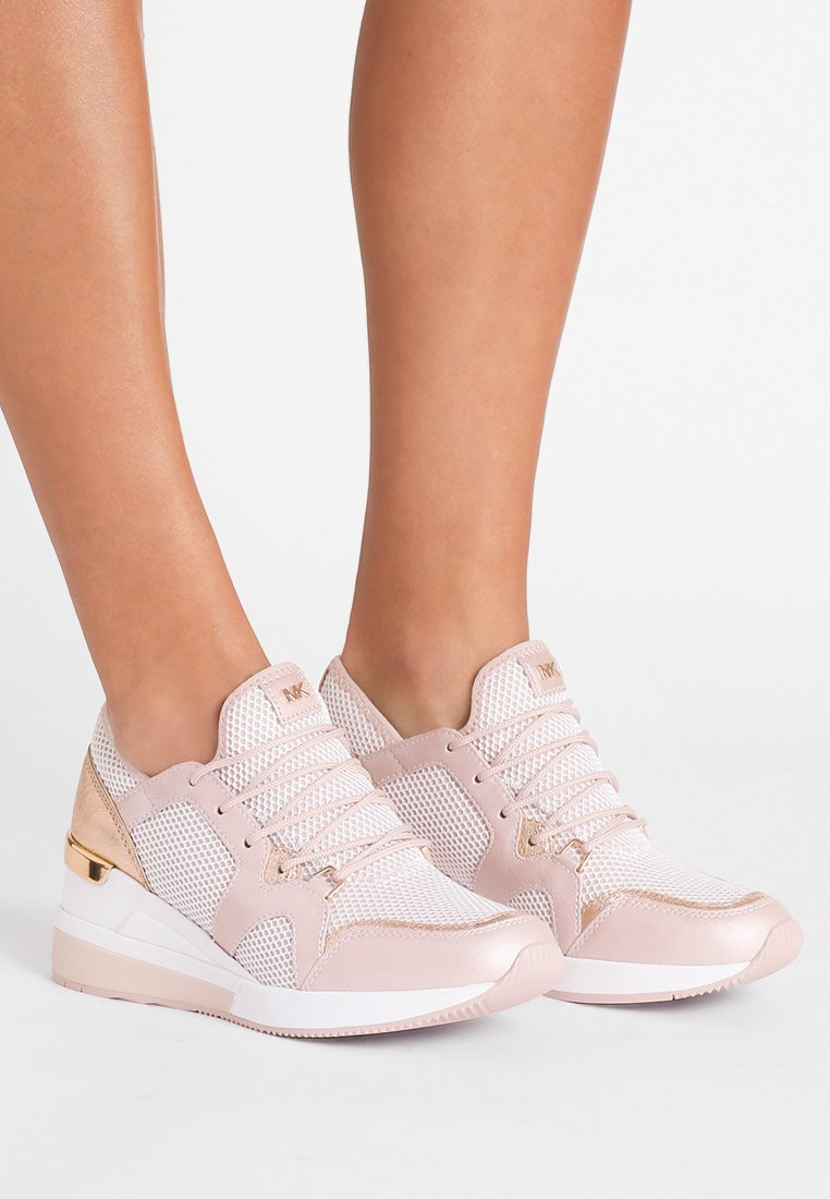 MICHAEL Michael Kors - LIV TRAINER - Sneaker low - soft pink