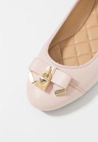 MICHAEL Michael Kors - ALICE BALLET - Ballerinat - soft pink - 2