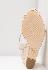 MICHAEL Michael Kors - JILL WEDGE - High heeled sandals - light cream - 6