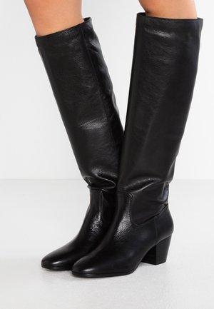 AVERY BOOT - Vysoká obuv - black