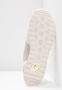 MICHAEL Michael Kors - BILLIE TRAINER - Zapatillas - light cream - 6
