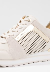 MICHAEL Michael Kors - BILLIE TRAINER - Zapatillas - light cream - 2