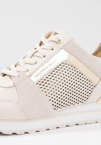 MICHAEL Michael Kors - BILLIE TRAINER - Sneakers - light cream - 2