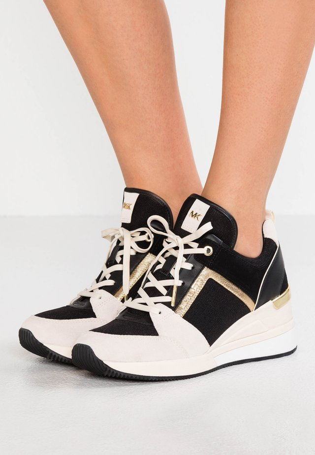 GEORGIE TRAINER - Joggesko - light cream/multicolor