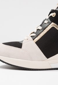 MICHAEL Michael Kors - GEORGIE TRAINER - Sneakers basse - light cream/multicolor