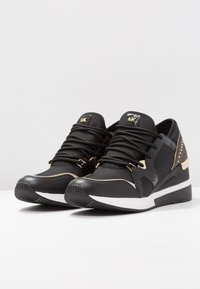 MICHAEL Michael Kors - LIV TRAINER - Zapatillas - black/brown - 4
