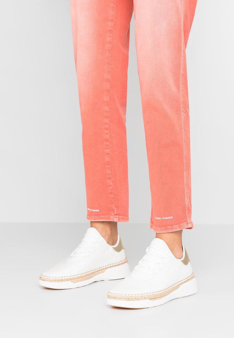 MICHAEL Michael Kors - FINCH LACE UP - Sneaker low - white