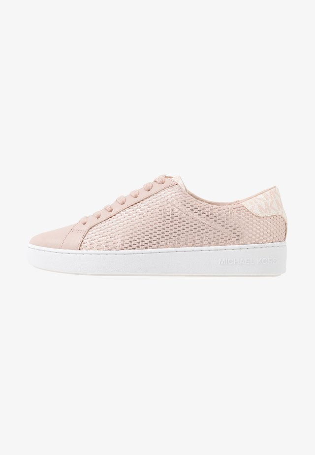 IRVING LACE UP - Matalavartiset tennarit - soft pink