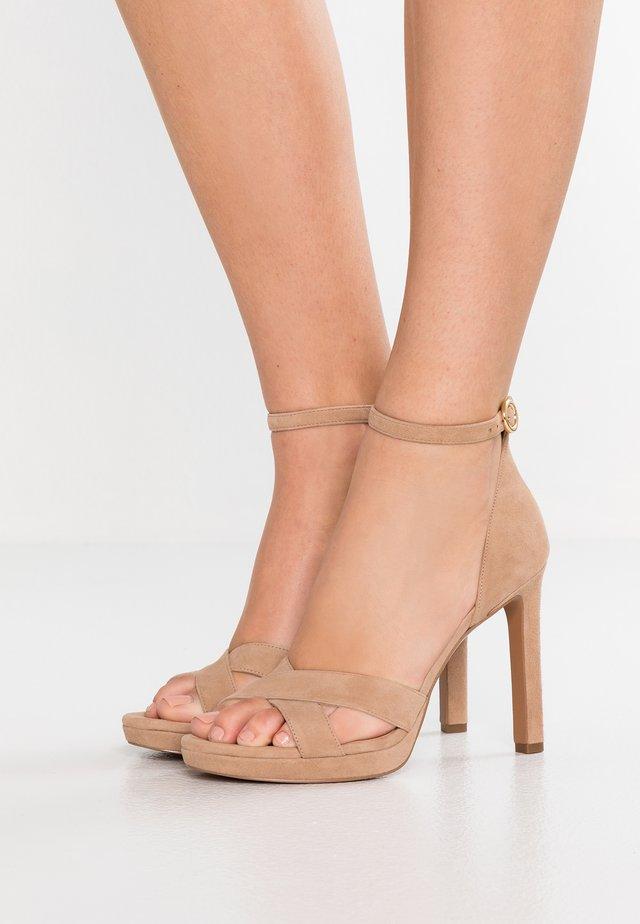 ALEXIA - Sandaler med høye hæler - sahara