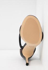 MICHAEL Michael Kors - GOLDIE SINGLE SOLE - Sandalias de tacón - black/brown - 6