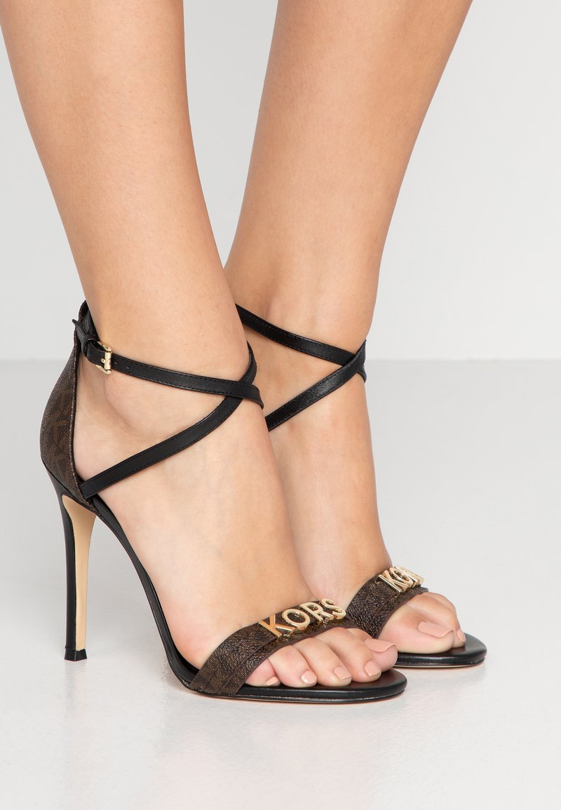 MICHAEL Michael Kors - GOLDIE SINGLE SOLE - Sandales à talons hauts - black/brown