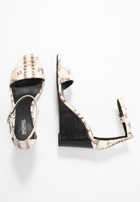 MICHAEL Michael Kors - FIONA WEDGE - Korolliset sandaalit - natural - 3