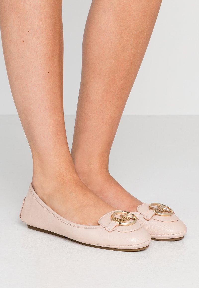 MICHAEL Michael Kors - LILLIE - Scarpe senza lacci - soft pink