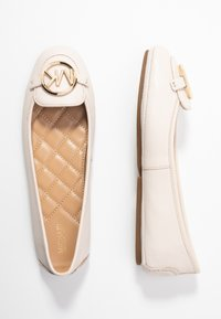 MICHAEL Michael Kors - Ballerine - light cream - 3
