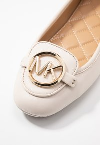 MICHAEL Michael Kors - Ballerine - light cream - 2