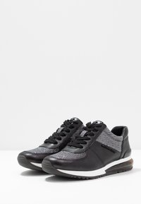 MICHAEL Michael Kors - ALLIE TRAINER EXTREME - Sneaker low - black/multicolor - 4