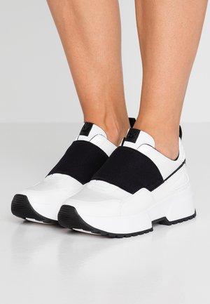 COSMO - Sneakers laag - optic white/black