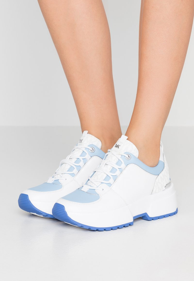 MICHAEL Michael Kors - COSMO TRAINER - Sneakers - light sky