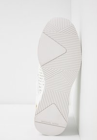 MICHAEL Michael Kors - GEORGIE TRAINER - Sneakersy niskie - optic white - 6
