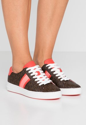 IRVING STRIPE LACE UP - Sneakers - brown