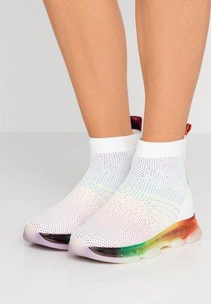 KENDRA BOOTIE - Vysoké tenisky - rainbow