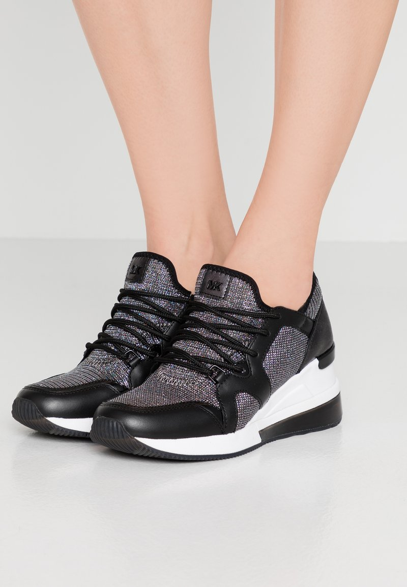 MICHAEL Michael Kors - LIV TRAINER EXTREME - Trainers - black/silver