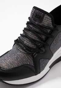 MICHAEL Michael Kors - LIV TRAINER EXTREME - Trainers - black/silver - 2