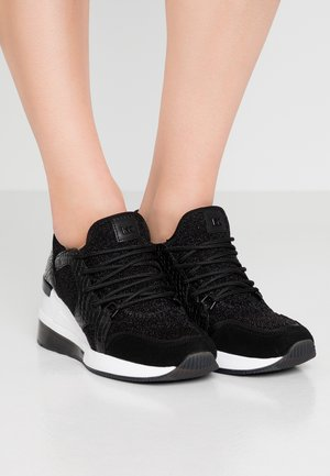 LIV TRAINER EXTREME - Sneakers - black