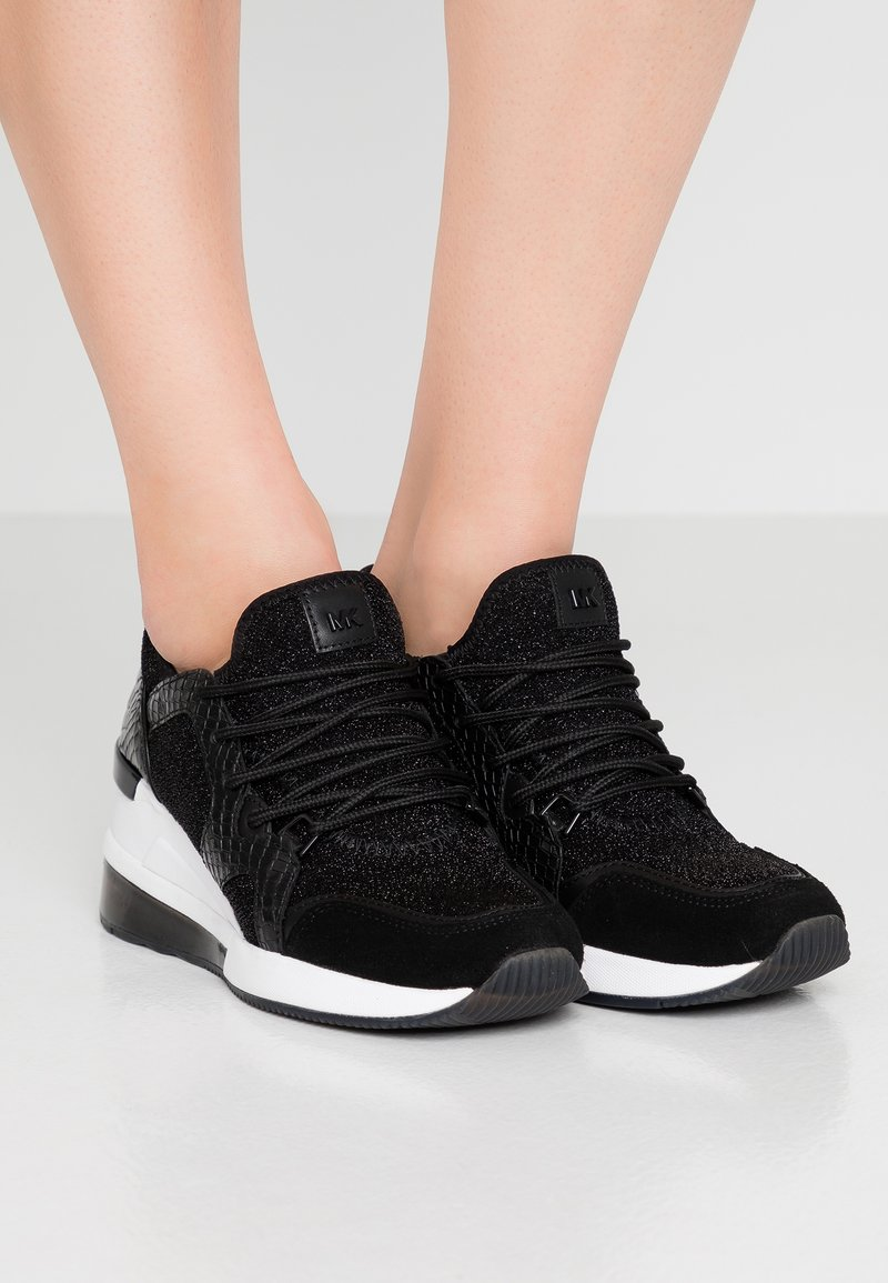 MICHAEL Michael Kors - LIV TRAINER EXTREME - Sneakers laag - black