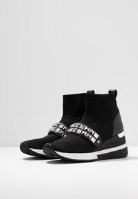 MICHAEL Michael Kors - SKYLER BOOTIE - Boots à talons - black - 4
