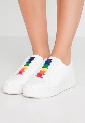 CAMERON - Slip-ons - optic white