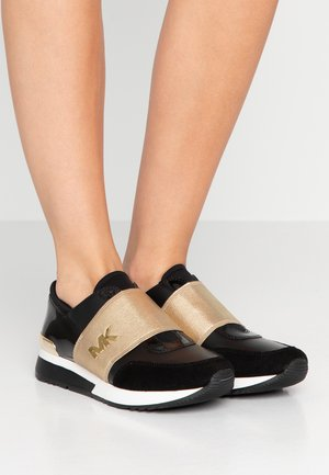 TRAINER - Loafers - black/pale gold
