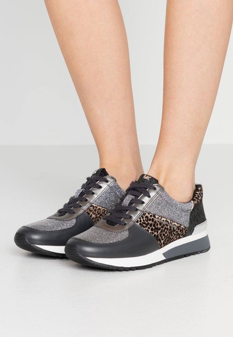 MICHAEL Michael Kors - ALLIE TRAINER - Zapatillas - black/silver